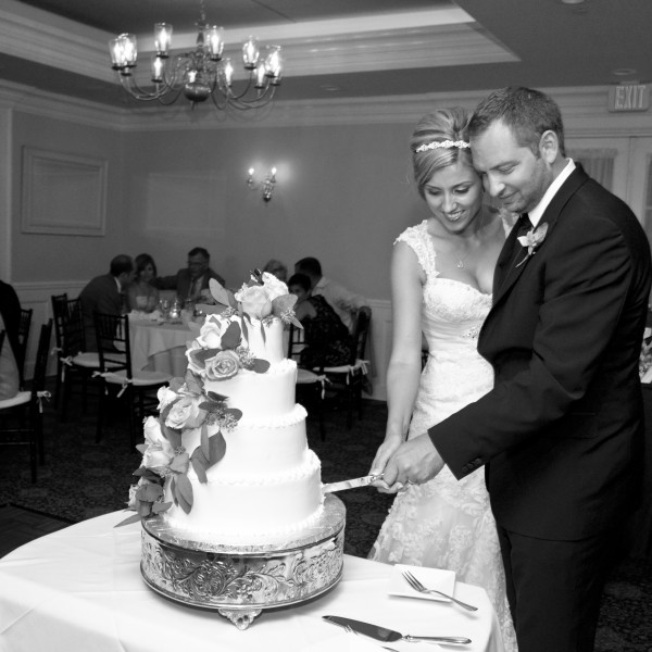 Maria and Christopher marry at the Beekman Arms in Rhinebeck, NY